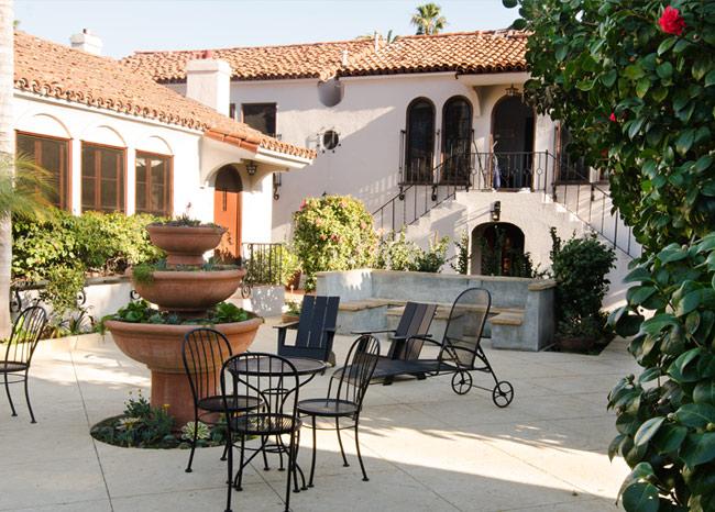 courtyard-angle